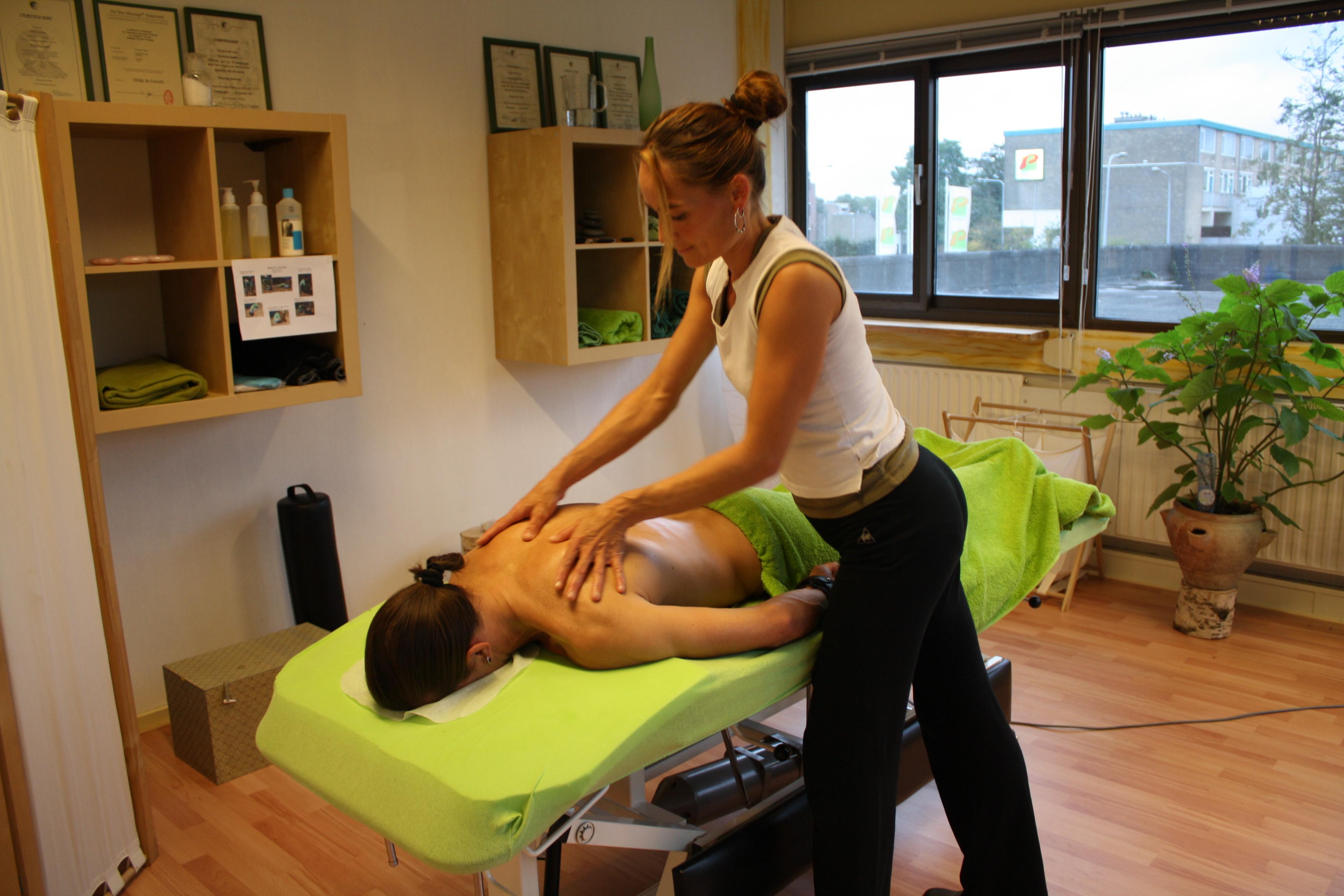 Maar Zonder Kleren Dan Massage-47107