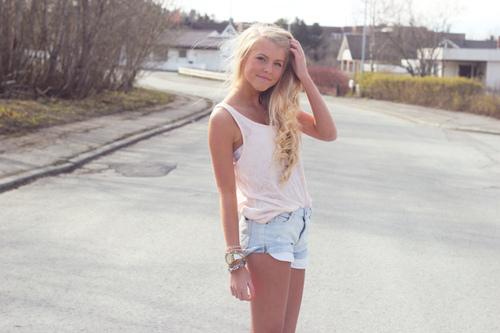 Glimlach Met En Meisje Ogen Heel Zeer Mooie Leuk-34444